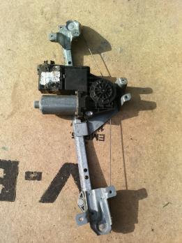 Стеклоподъемник электр. задний правый Opel Omega A 90338312