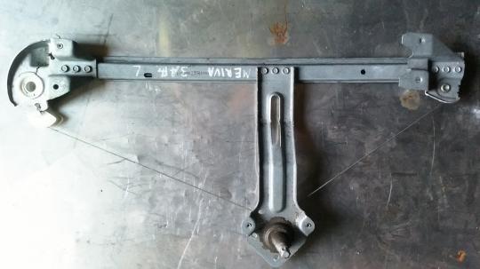 Стеклоподъемник механ. задний левый Opel Meriva A