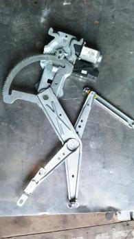 Моторчик стеклоподъемника передний правый Opel Meriva A 93389552