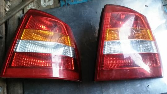 Задний правый фонарь Opel Astra G  ХЭТЧБЕК 90521543