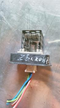 Резистор отопителя для Opel Astra H / ZAFIRA B  90560362