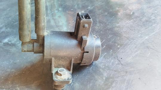 Клапан электромагнитный Nissan RENAULT 7700113071