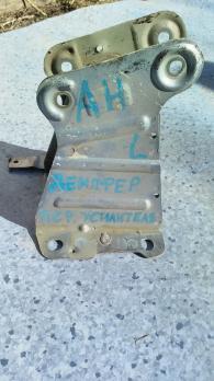 Демпфер переднего усилителя левый Opel Astra H 93181183